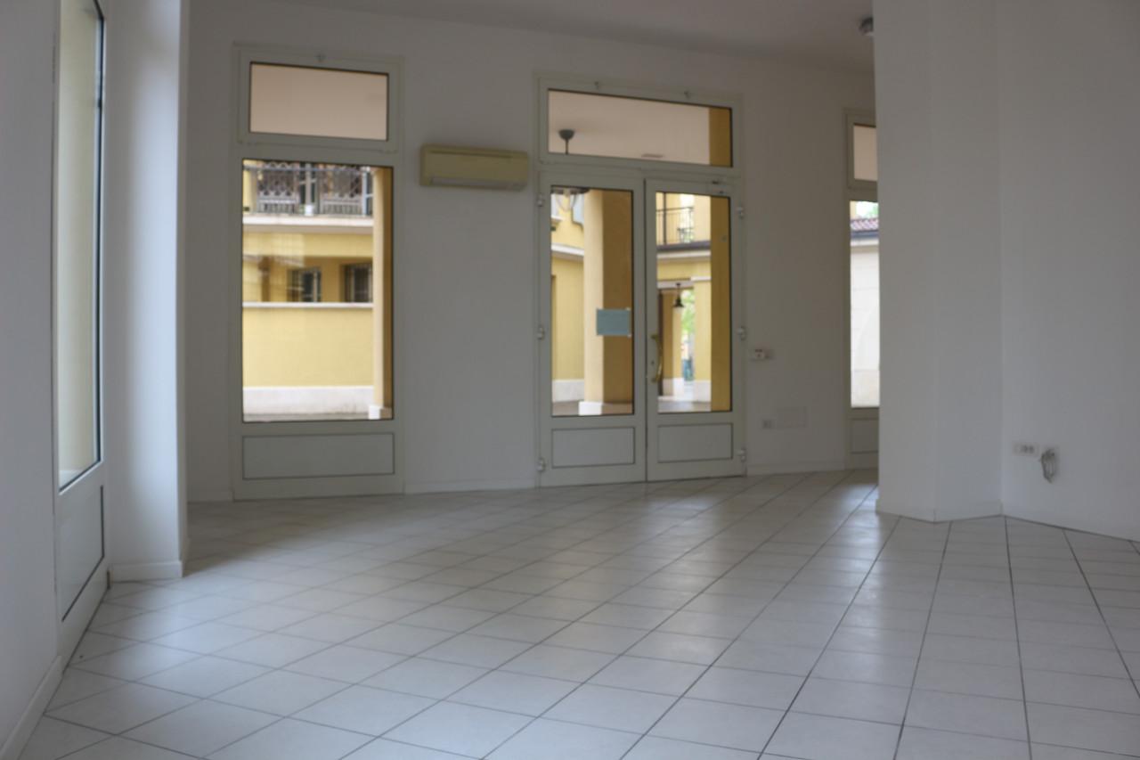 Negozio in affitto Bologna Borgo Panigale