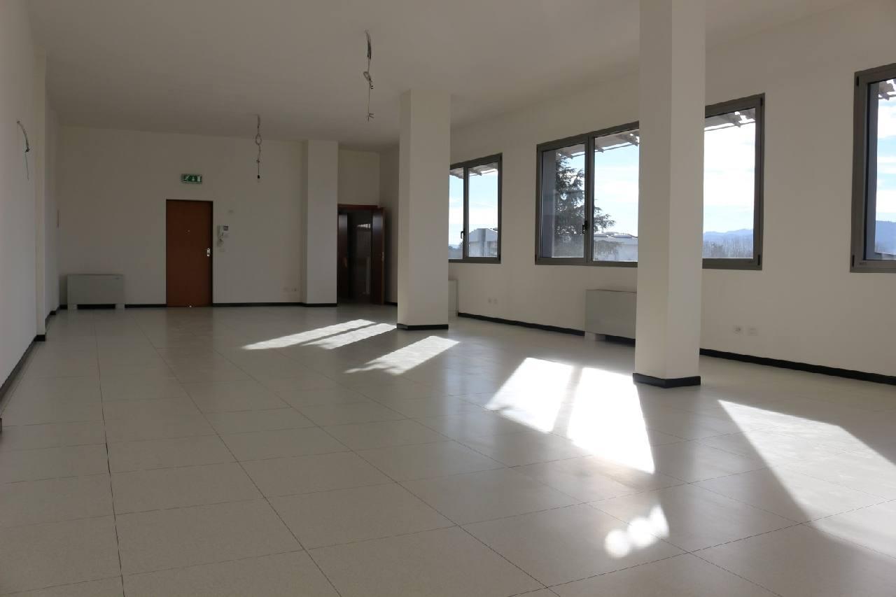 Ufficio in affitto San Lazzaro Zona Idice