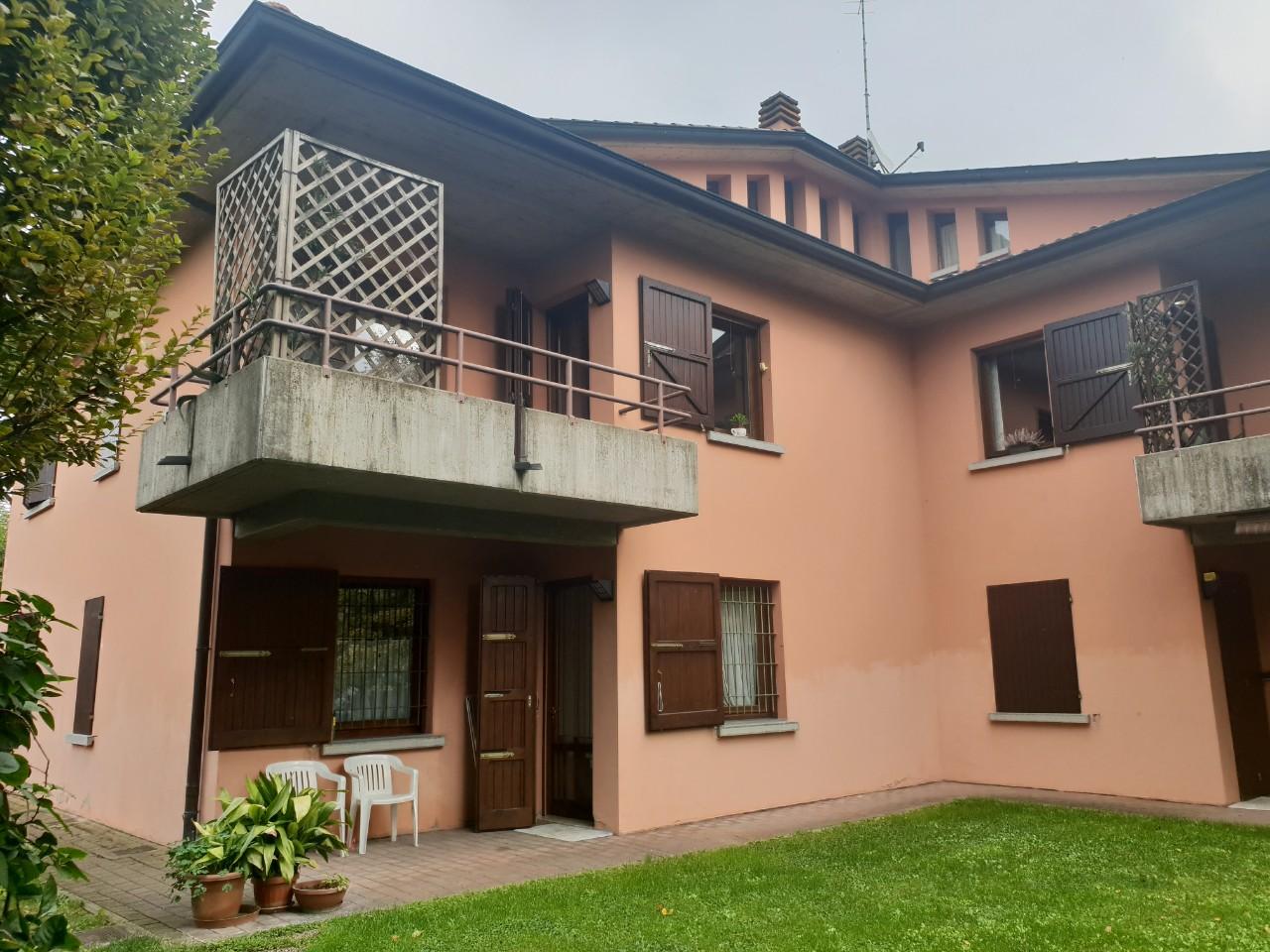 Villa Bifamiliare in vendita Reggio Emilia Zona Pieve Modolena