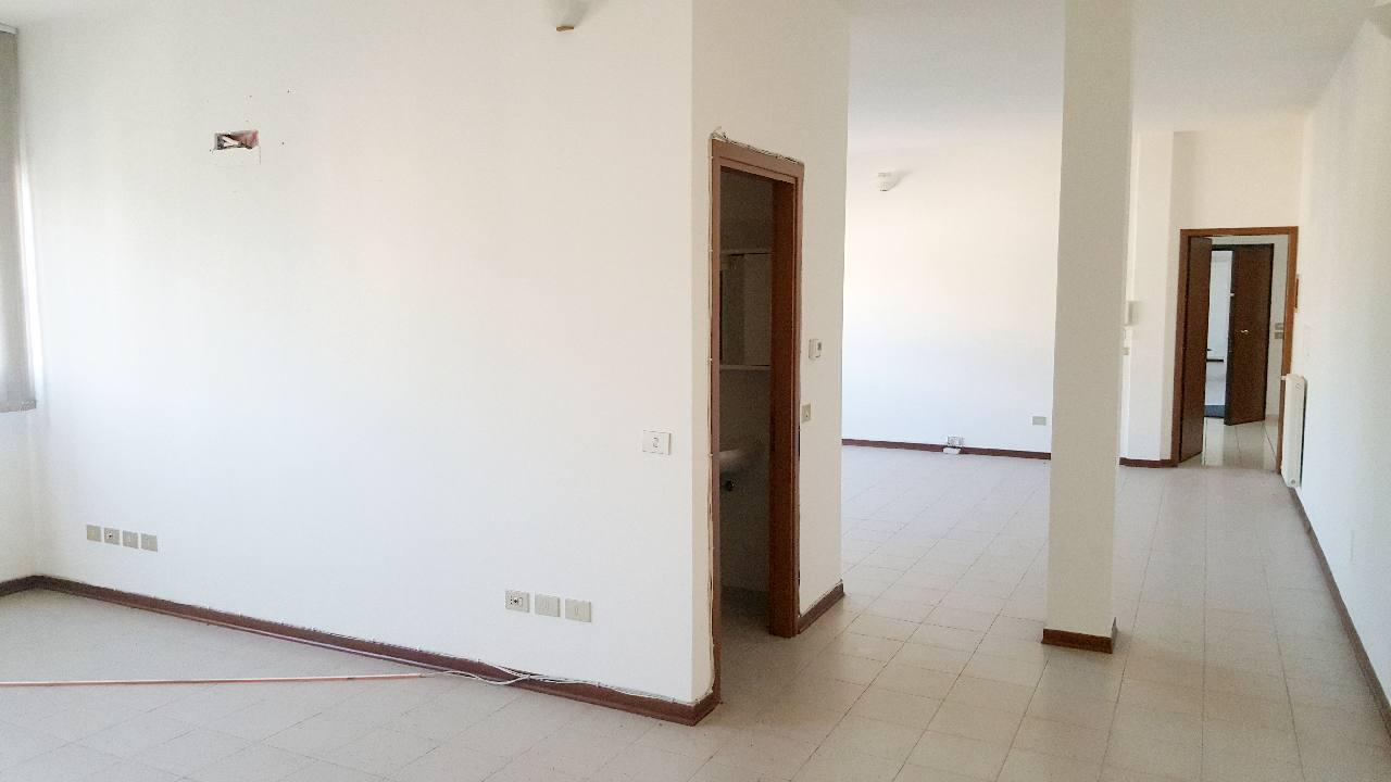 Ufficio in affitto Reggio Emilia Zona Mancasale