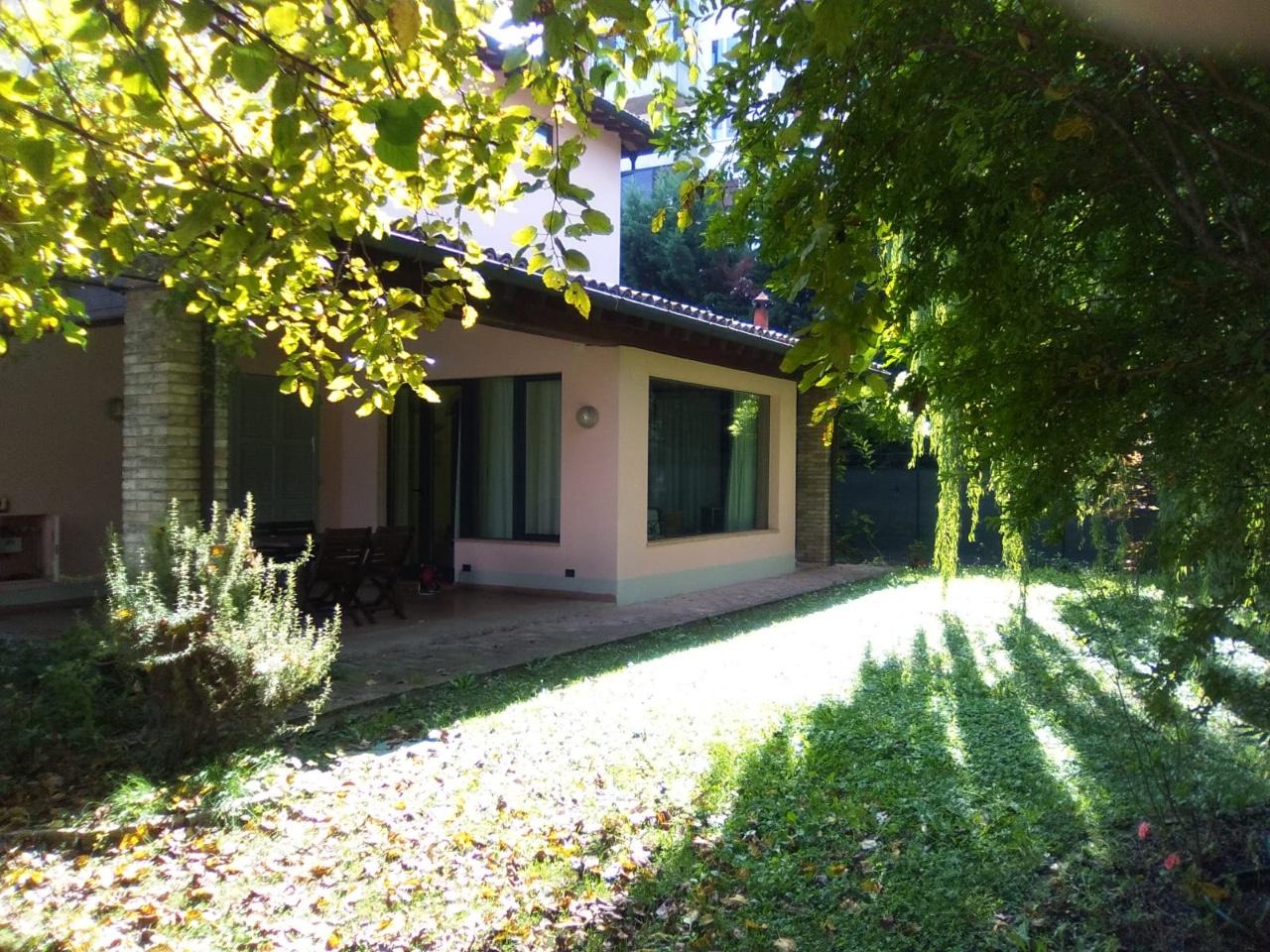 Villa Indip. in affitto Parma Zona Paradigna