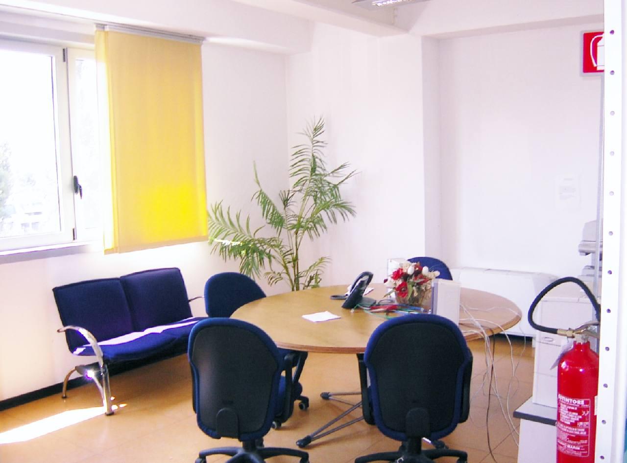 Metri Quadri Minimi Ufficio : Ufficio affitto casalecchio meridiana rif. sbc009 2 boschi