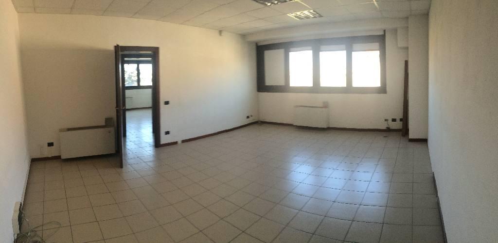 Ufficio / Studio in affitto a Castel Maggiore, 5 locali, zona Località: Castel Maggiore, prezzo € 1.200 | CambioCasa.it