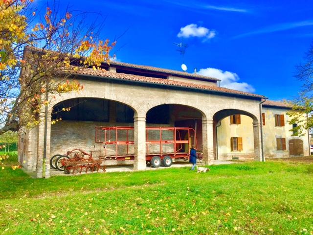 Rustico in vendita Parma Zona Pontetaro