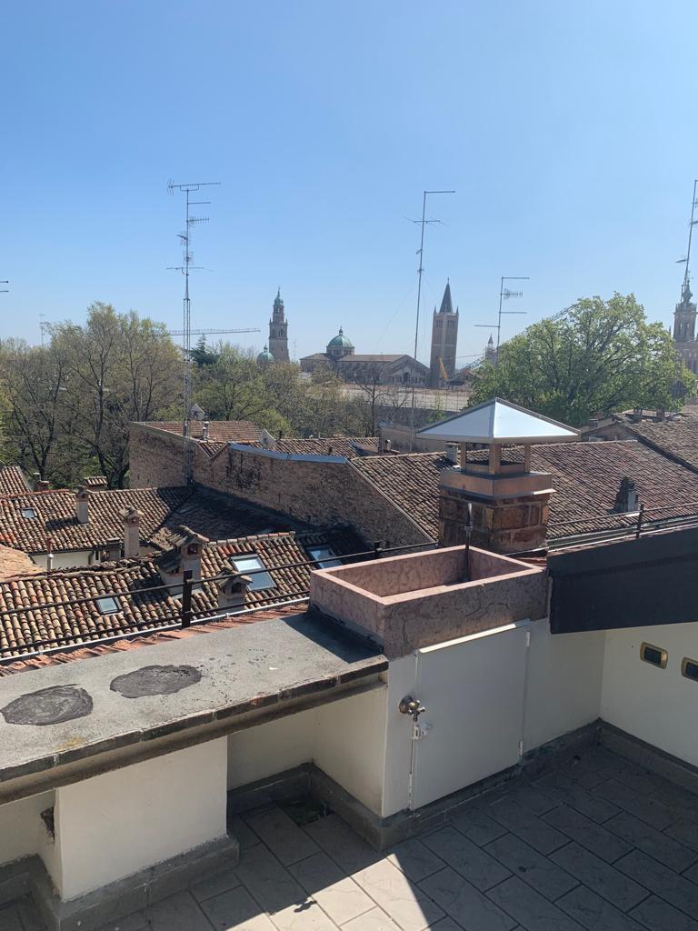 Attico in affitto Parma Zona Centro storico
